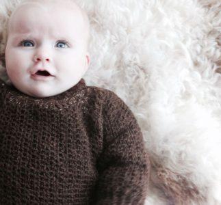 Hæklet trøje til baby