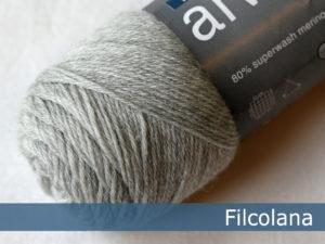 Filcolana Arwetta Classic. Farve: 957 Very Light Grey (melange)