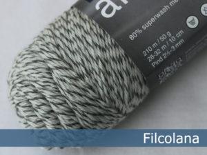 Filcolana Arwetta Classic. Farve: 990 Ragsock (mouliné)